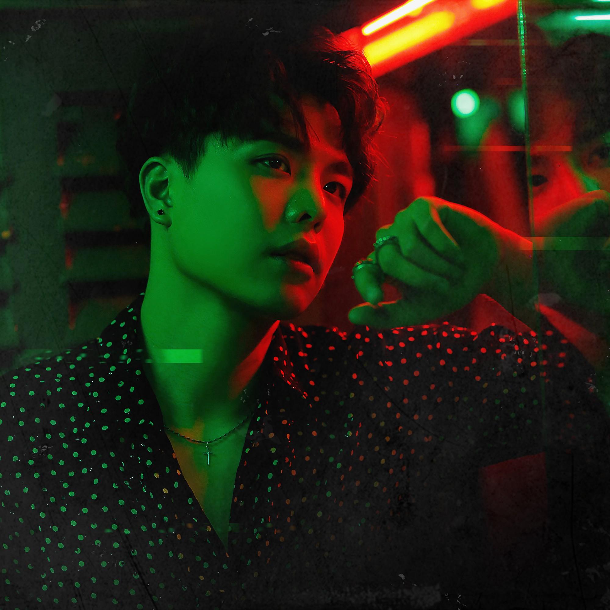 Sau loạt ồn ào bị đạo nhái hit cũ, Trịnh Thăng Bình bất ngờ trở lại Vpop với bản ballad có tựa đề hack não - Ảnh 2.