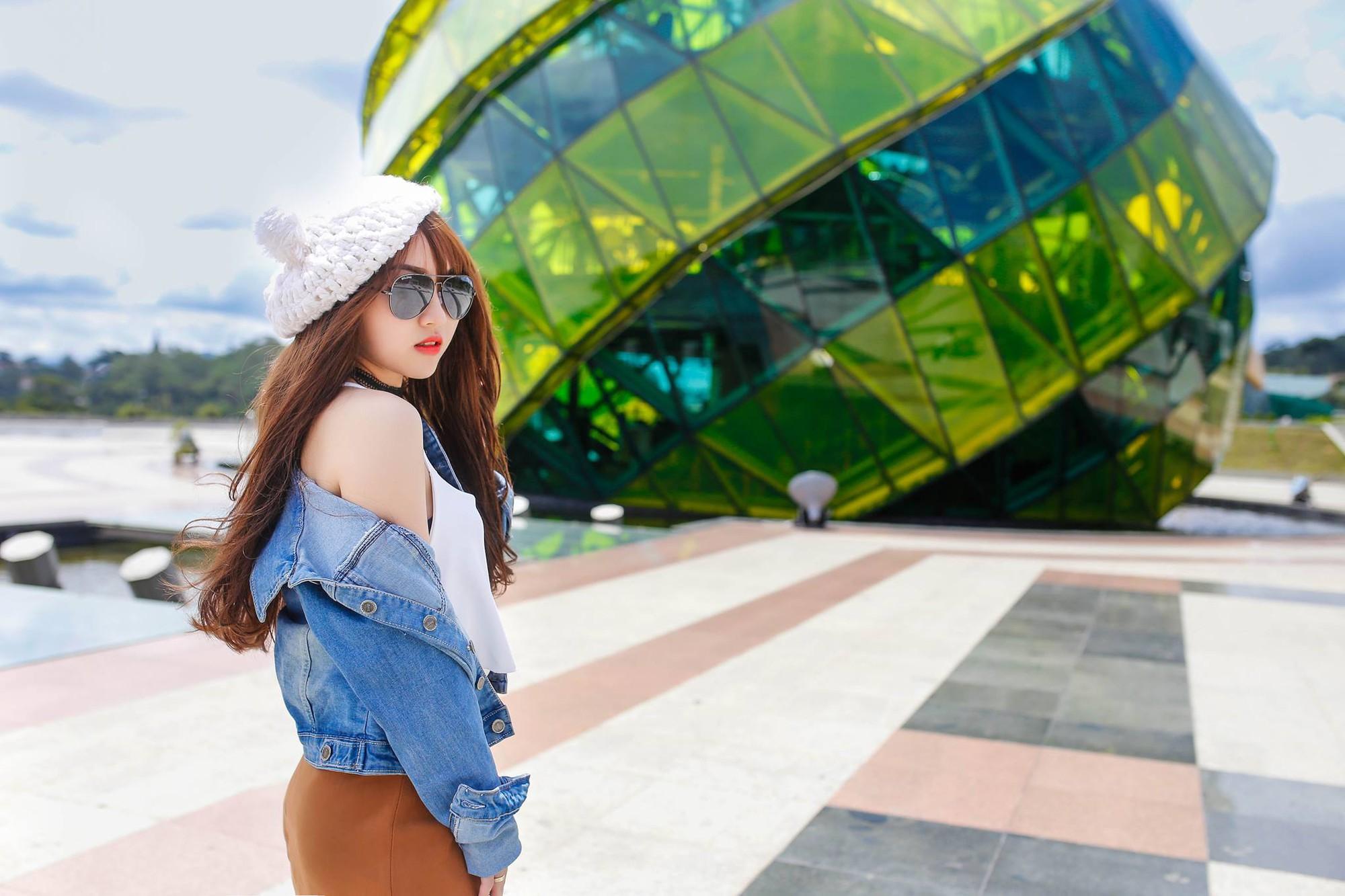 Trong các streamer nữ Việt Nam, ai là người sở hữu thân hình và phong cách gợi cảm nhất? - Ảnh 15.