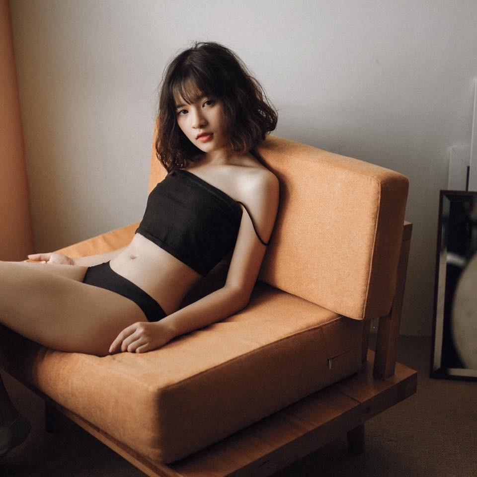 Trong các streamer nữ Việt Nam, ai là người sở hữu thân hình và phong cách gợi cảm nhất? - Ảnh 13.
