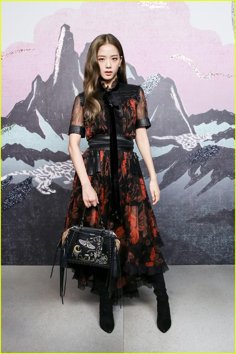 Màn đọ sắc quốc tế khủng nhất: Black Pink đẹp như hoàng tộc, nhưng Selena đẳng cấp khác hẳn? - Ảnh 8.