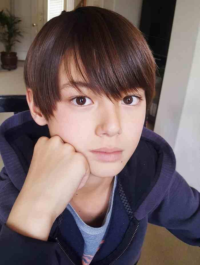 Cậu bé sinh năm 2007 mang hai dòng máu Đức - Nhật được mệnh danh là hoàng tử lai - Ảnh 6.