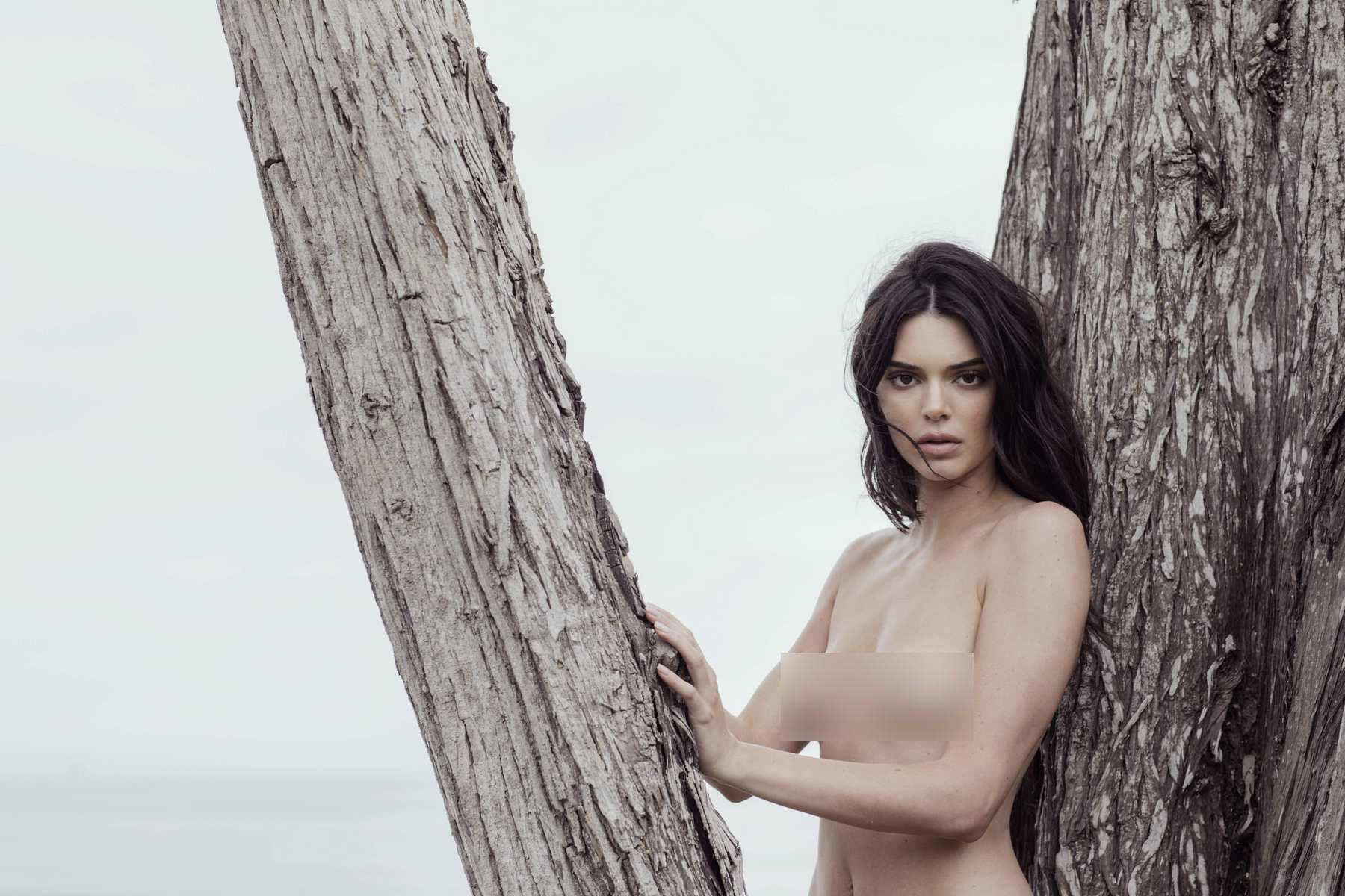 Trước bộ ảnh nude gây sốc, Kendall Jenner đã gây ồn ào với những scandal