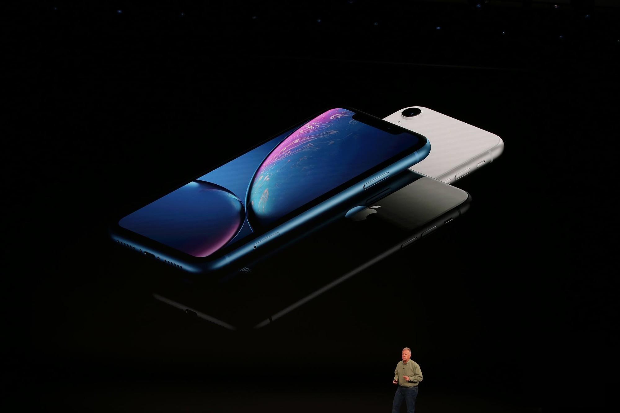 iPhone Xr đây rồi: nhìn như iPhone Xs, có màu xanh nước biển nhưng giá chỉ có 17 triệu thôi - Ảnh 2.