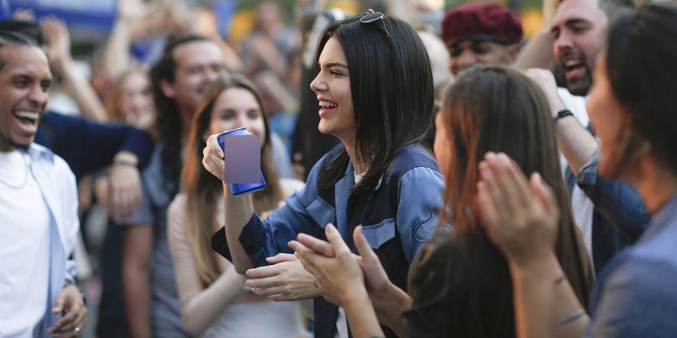 Trước bộ ảnh nude gây sốc, Kendall Jenner đã gây ồn ào với những scandal thị phi nào? - Ảnh 2.