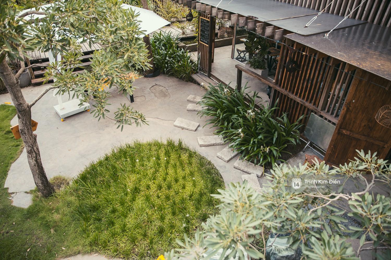 Hẻm 28 Thảo Điền: Ốc đảo xanh rì giữa lòng thành phố, góc nào cũng có thể cho ra 1000 kiểu ảnh đẹp! - Ảnh 1.