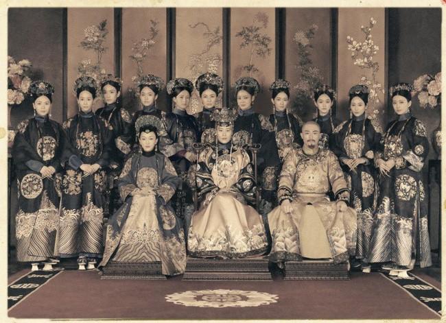 Như Ý Truyện tung bộ ảnh Hoàng thất theo phong cách cổ xưa cực chất, dân tình lại được phen trầm trồ vì quá đẹp - Ảnh 1.