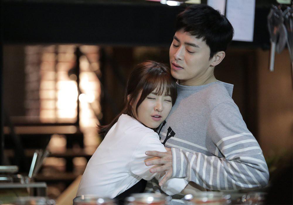 5 lần cặp kè màn ảnh với mỹ nam Hàn chứng minh Park Bo Young là thánh tạo phản ứng hóa học - Ảnh 4.