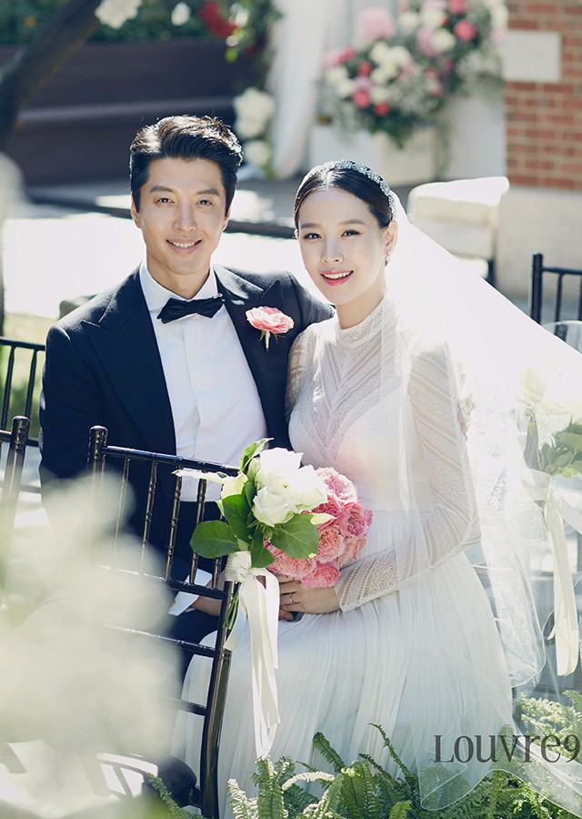 Công khai hẹn hò, kết hôn, sự nghiệp 4 diễn viên Hàn này có bị hủy hoại như Hyuna, EDawn? - Ảnh 8.