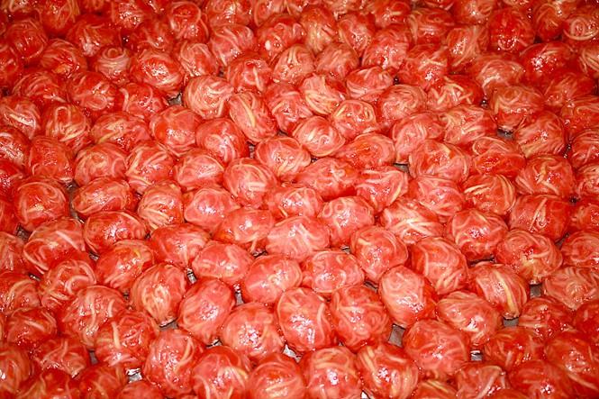 Thật thán phục người Tây Ninh, chỉ từ phần bỏ đi của quả bưởi mà lại làm nên đặc sản lừng danh - Ảnh 1.