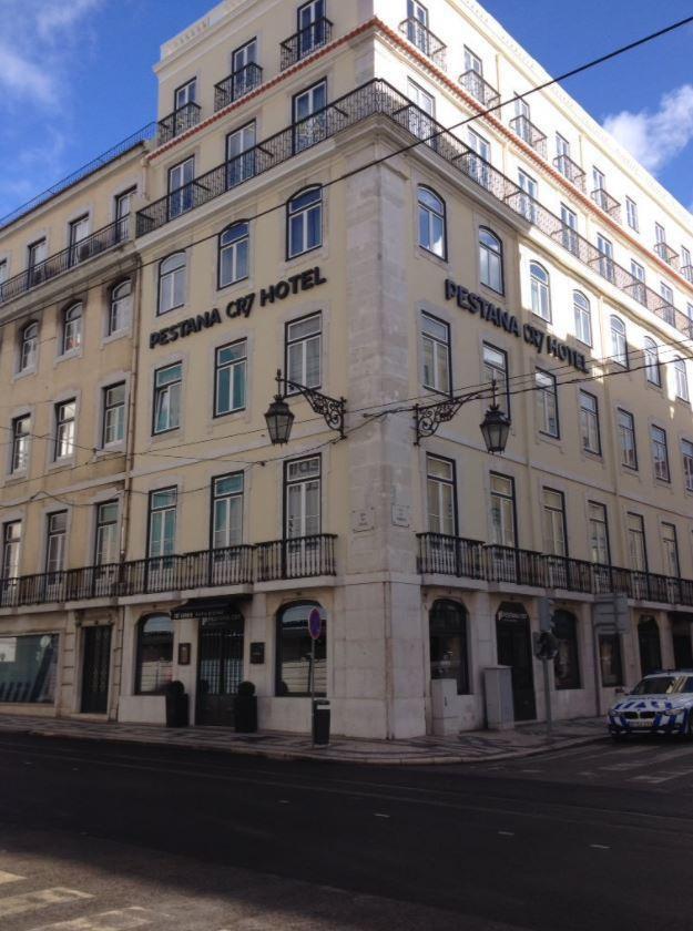 Ronaldo sắp mở khách sạn CR7 thứ sáu tại Paris - Ảnh 2.