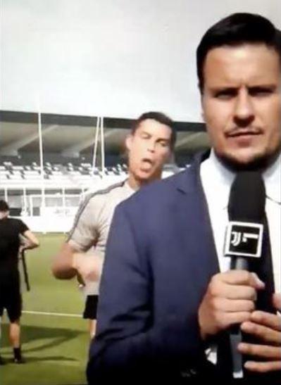 Ronaldo cũng có những khoảnh khắc lầy lội thế này đây - Ảnh 2.