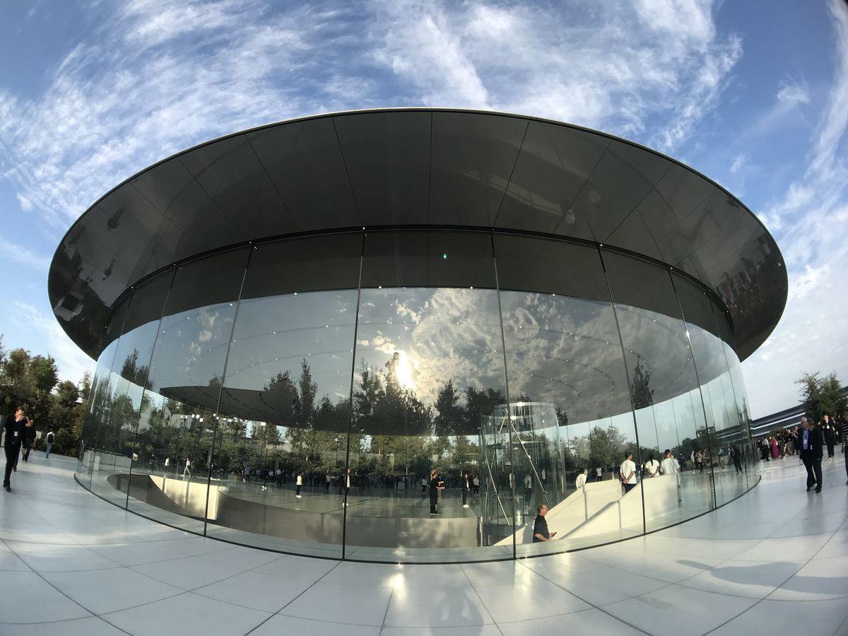 Chỉ vì ra mắt iPhone, Apple vừa tự cho mình quyền nếm trái cấm nghiêm khắc nhất của công ty - Ảnh 4.