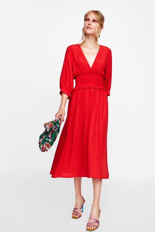 Duyên dáng như Hà Hồ diện váy liền dạo phố đón nắng thu, Zara và H&M cũng gợi ý 10 mẫu váy midi siêu nữ tính dành riêng cho bạn - Ảnh 6.