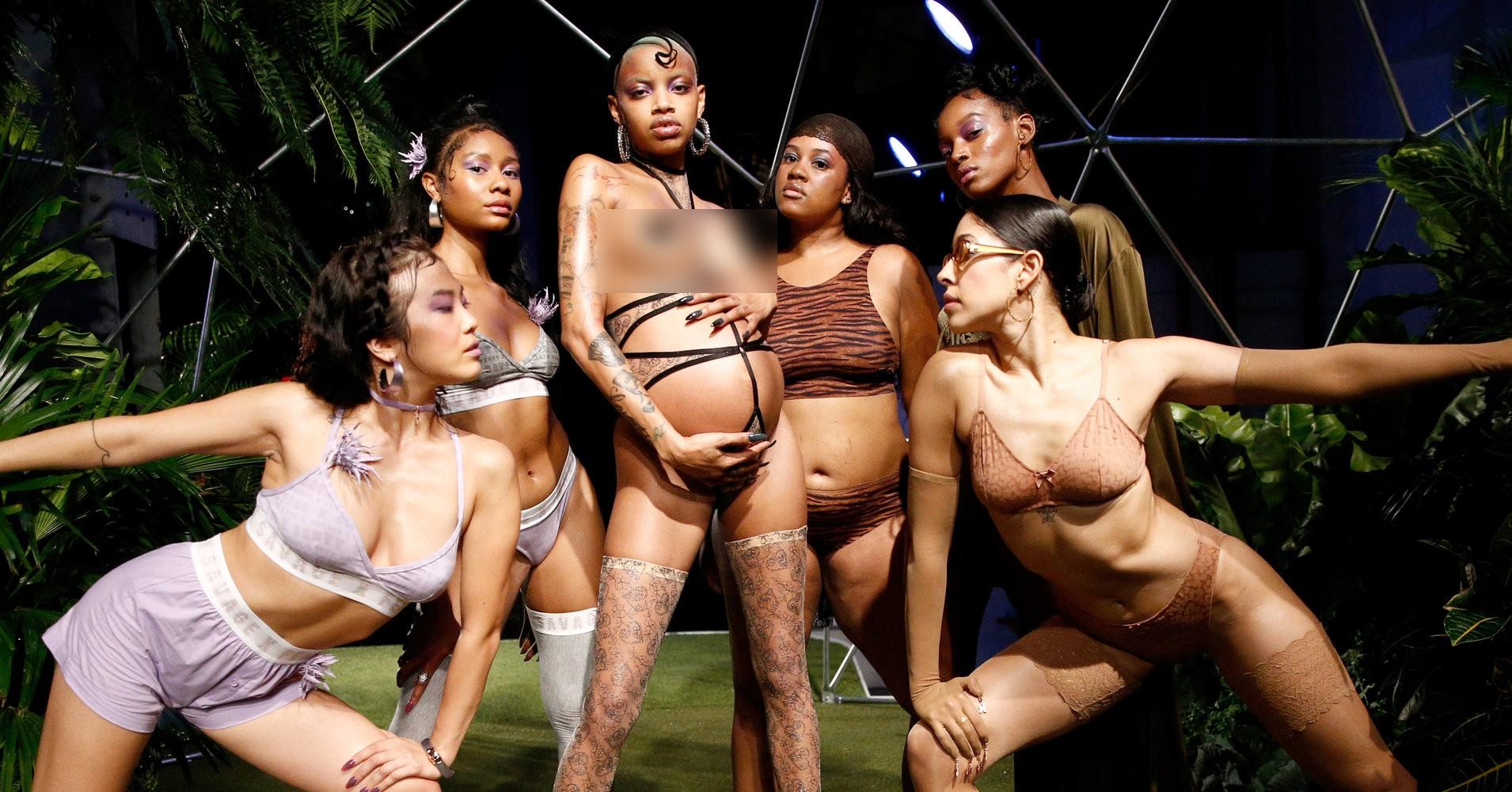 Câu hỏi: Show diễn nội y đầu tiên của Rihanna có gì đáng gờm mà để Marc Jacobs phải ra tay chèn ép? - Ảnh 3.