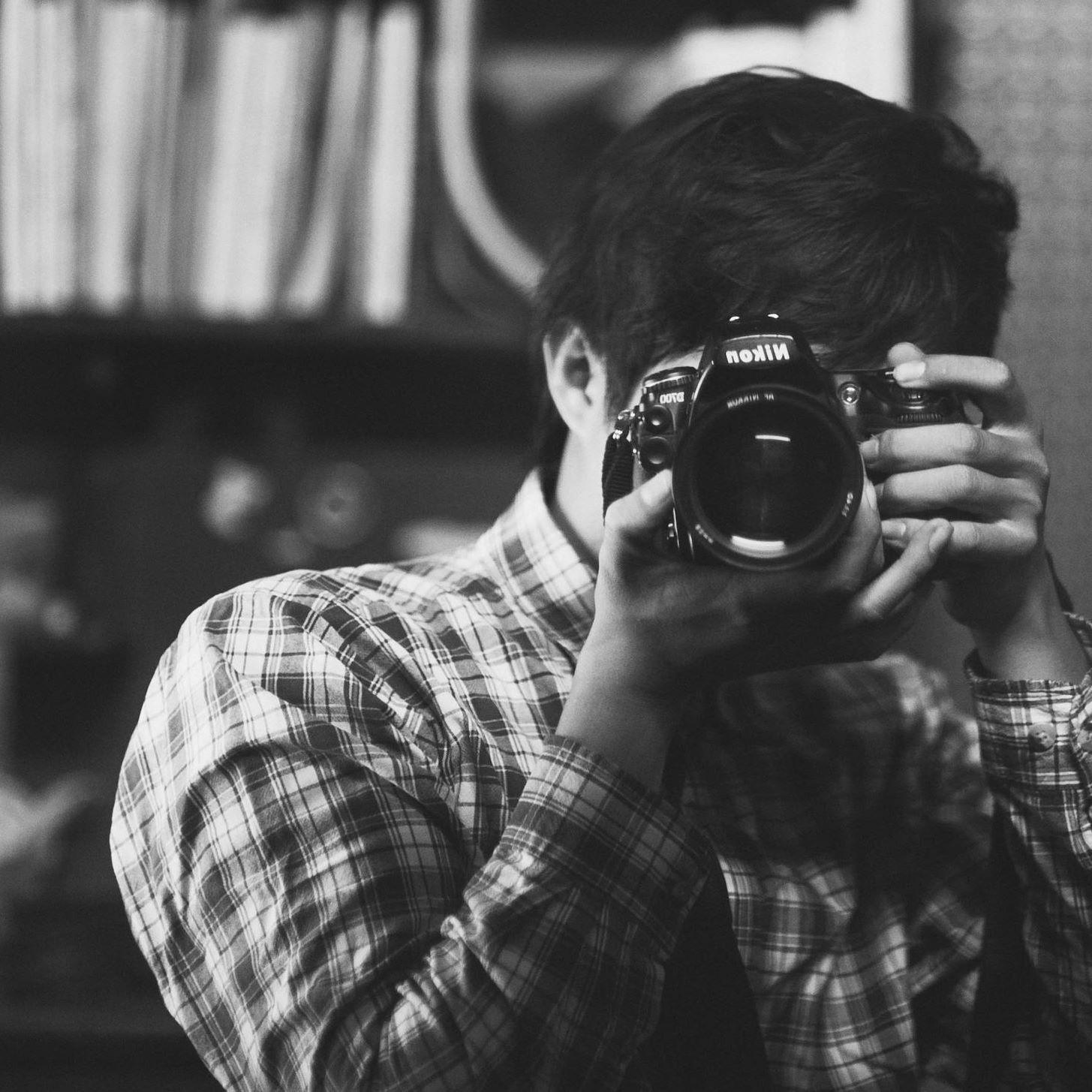 Một nhiếp ảnh gia tên tuổi bị hàng loạt người mẫu Tây tố làm việc thiếu chuyên nghiệp, gửi clip nhạy cảm để trêu đùa - Ảnh 2.