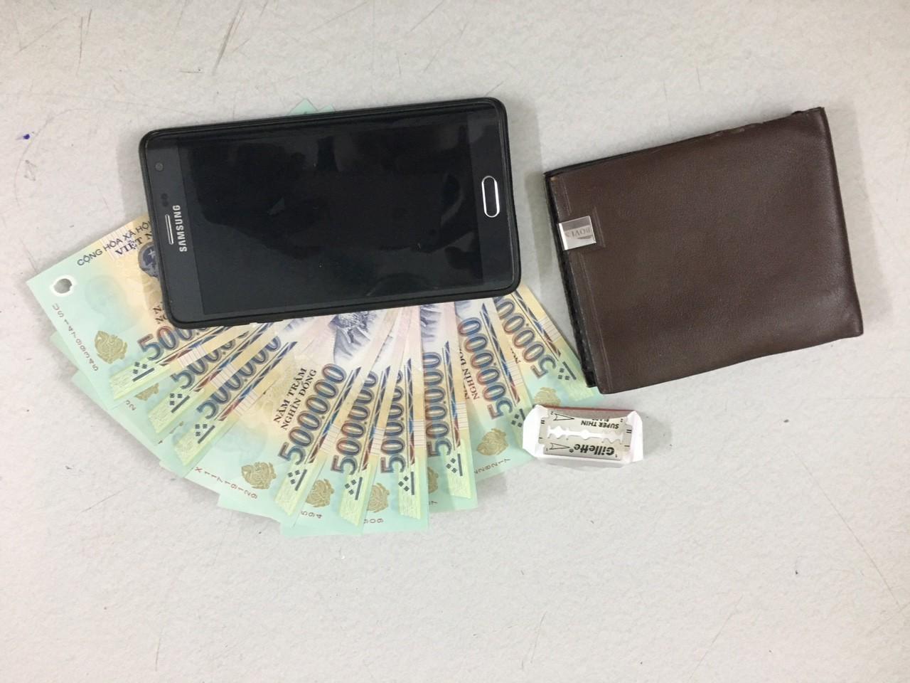 Trinh sát bắt kẻ mang 3 tiền án vẫn đi trộm cắp tài sản ở trung tâm Sài Gòn - Ảnh 2.