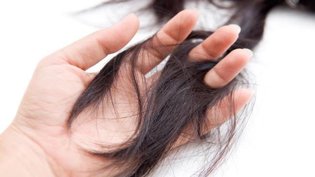 Thoát khỏi tình trạng vuốt tóc thôi cũng ra cả búi với 6 loại dầu gội ngăn rụng tóc được các chuyên gia đánh giá rất cao trên Amazon - Ảnh 2.
