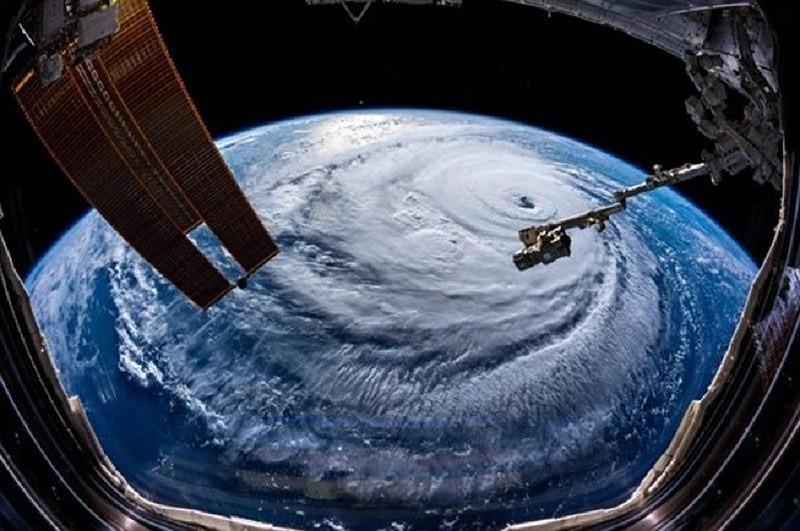 Khẩn: Học sinh nghỉ học tránh siêu bão Mangkhut - Ảnh 1.