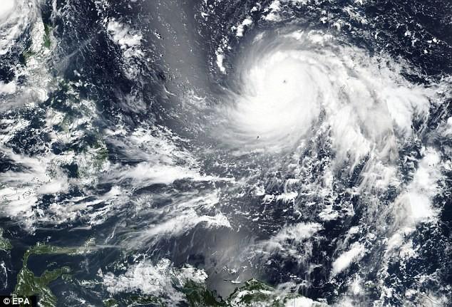 Hà Nội ra công điện hoả tốc nhằm ứng phó với siêu bão Mangkhut sắp vào biển Đông - Ảnh 2.