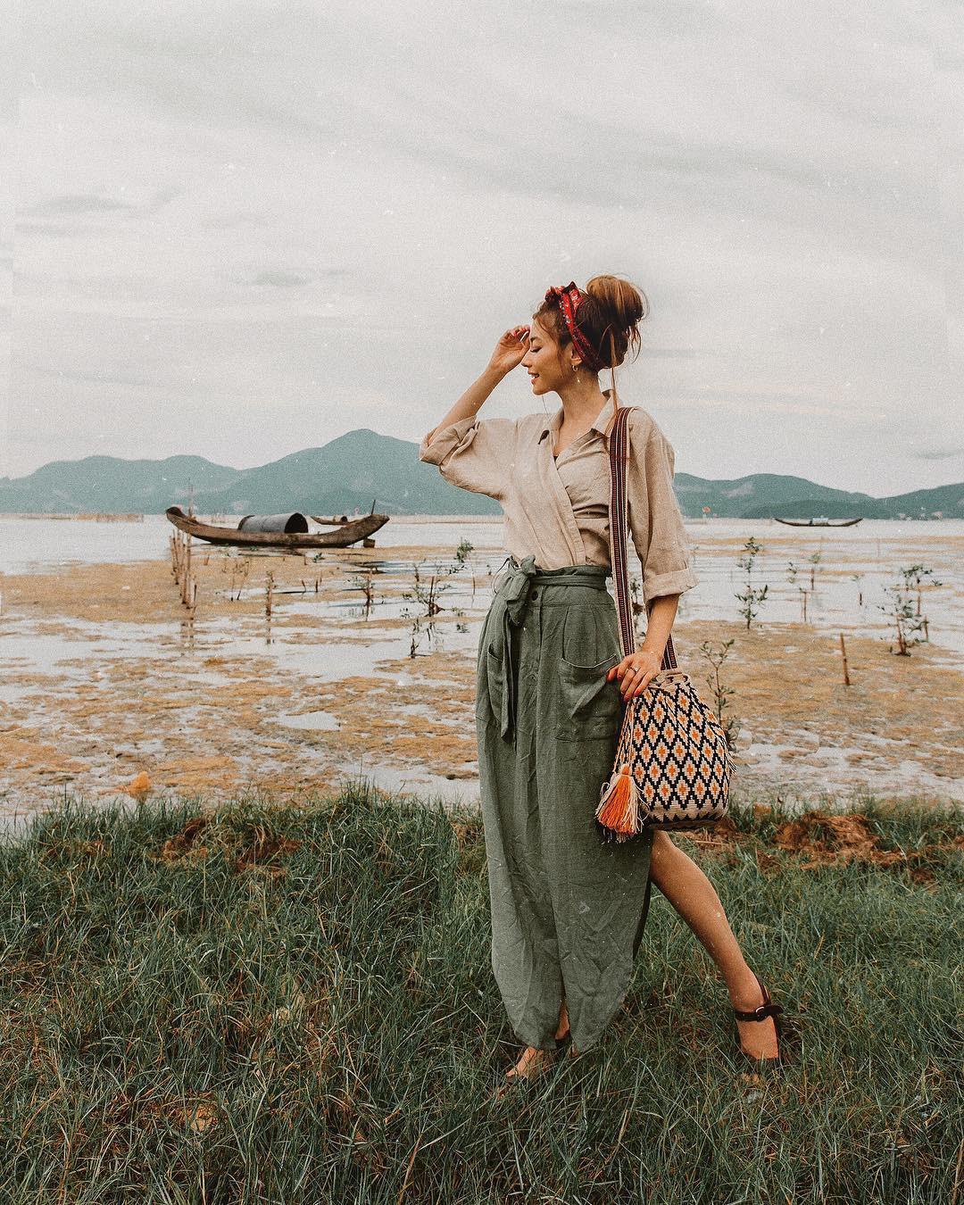 Thêm những bức ảnh đẹp mê mẩn của công chúa tóc mây Sarah Trần trong chuyến du hí Việt Nam - Ảnh 9.