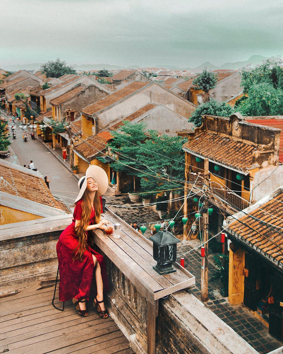 Thêm những bức ảnh đẹp mê mẩn của công chúa tóc mây Sarah Trần trong chuyến du hí Việt Nam - Ảnh 2.