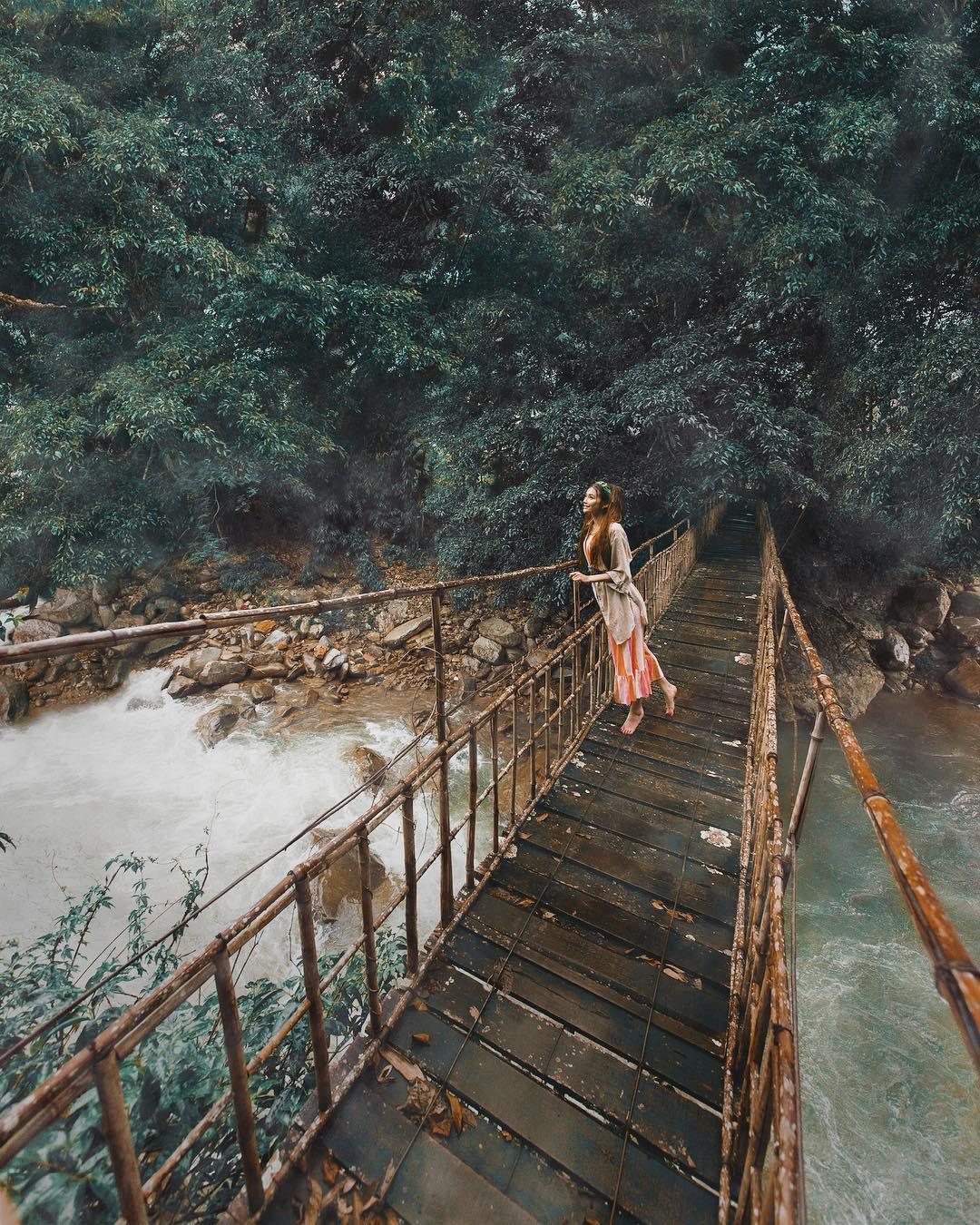 Thêm những bức ảnh đẹp mê mẩn của công chúa tóc mây Sarah Trần trong chuyến du hí Việt Nam - Ảnh 8.