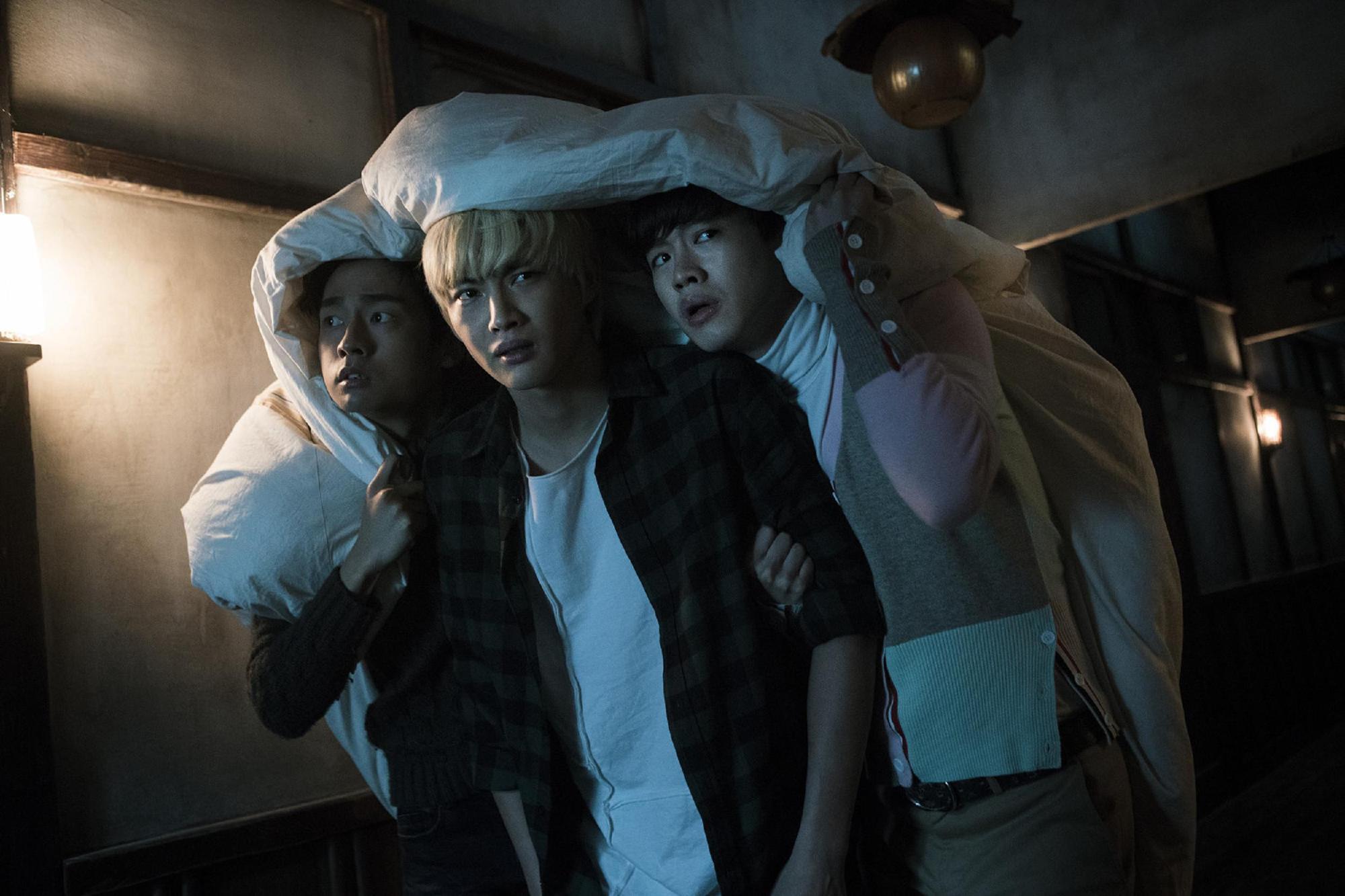 Suối Ma: Kì nghỉ hè cười ra nước mắt của bộ ba hot boy khó đỡ - Ảnh 6.