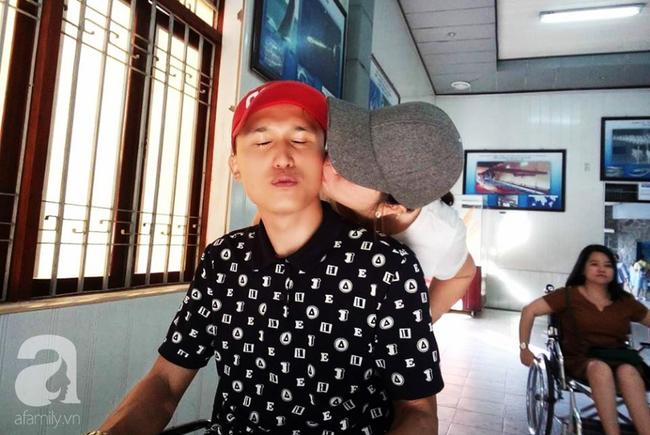 Khao khát làm mẹ cháy bỏng của cô gái Phú Thọ cãi lời cha để vào Nam lấy anh chồng không đi đứng được - Ảnh 2.