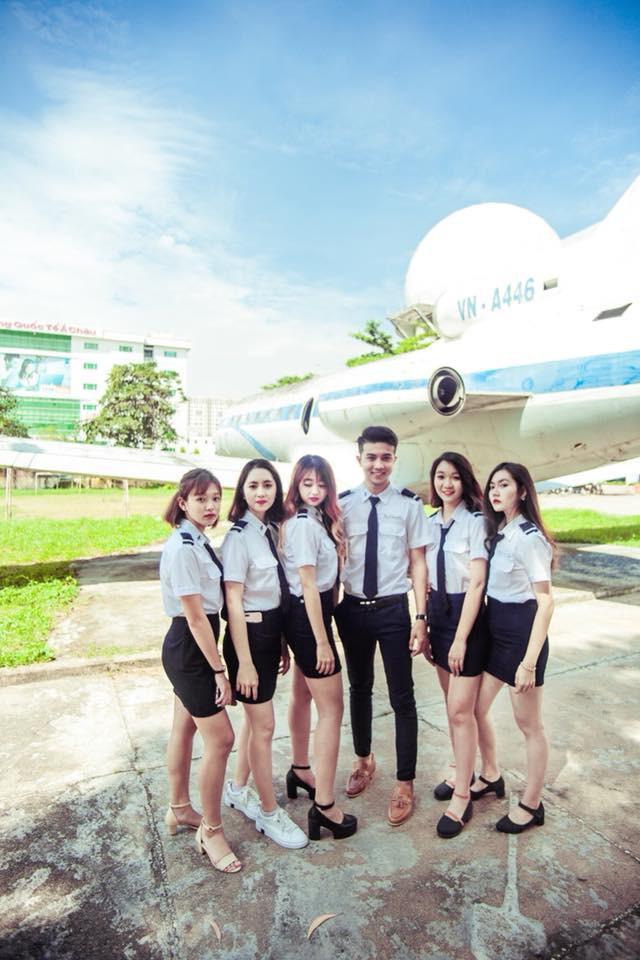 Em trai Á hậu 2 Thuý An có ngoại hình thu hút, đang là sinh viên Học viện Hàng không Việt Nam - Ảnh 4.