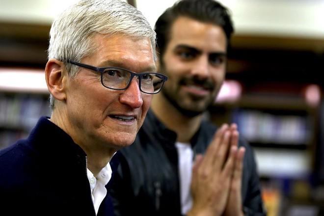 Chiếc iPhone 1000 USD đã biến Apple thành một thương hiệu xa xỉ, và có thể làm mất một phần lớn khách hàng - Ảnh 1.