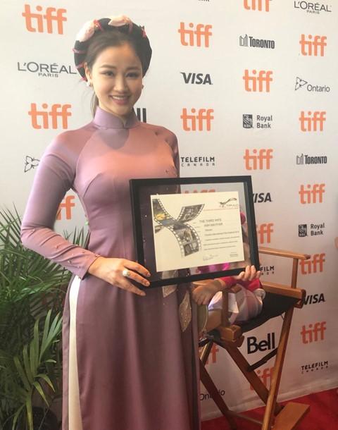 """Đánh bại loạt đối thủ nặng ký, phim Việt Nam """"Người Vợ Ba"""" giành giải Phim Châu Á xuất sắc nhất tại LHP Toronto - Ảnh 2."""