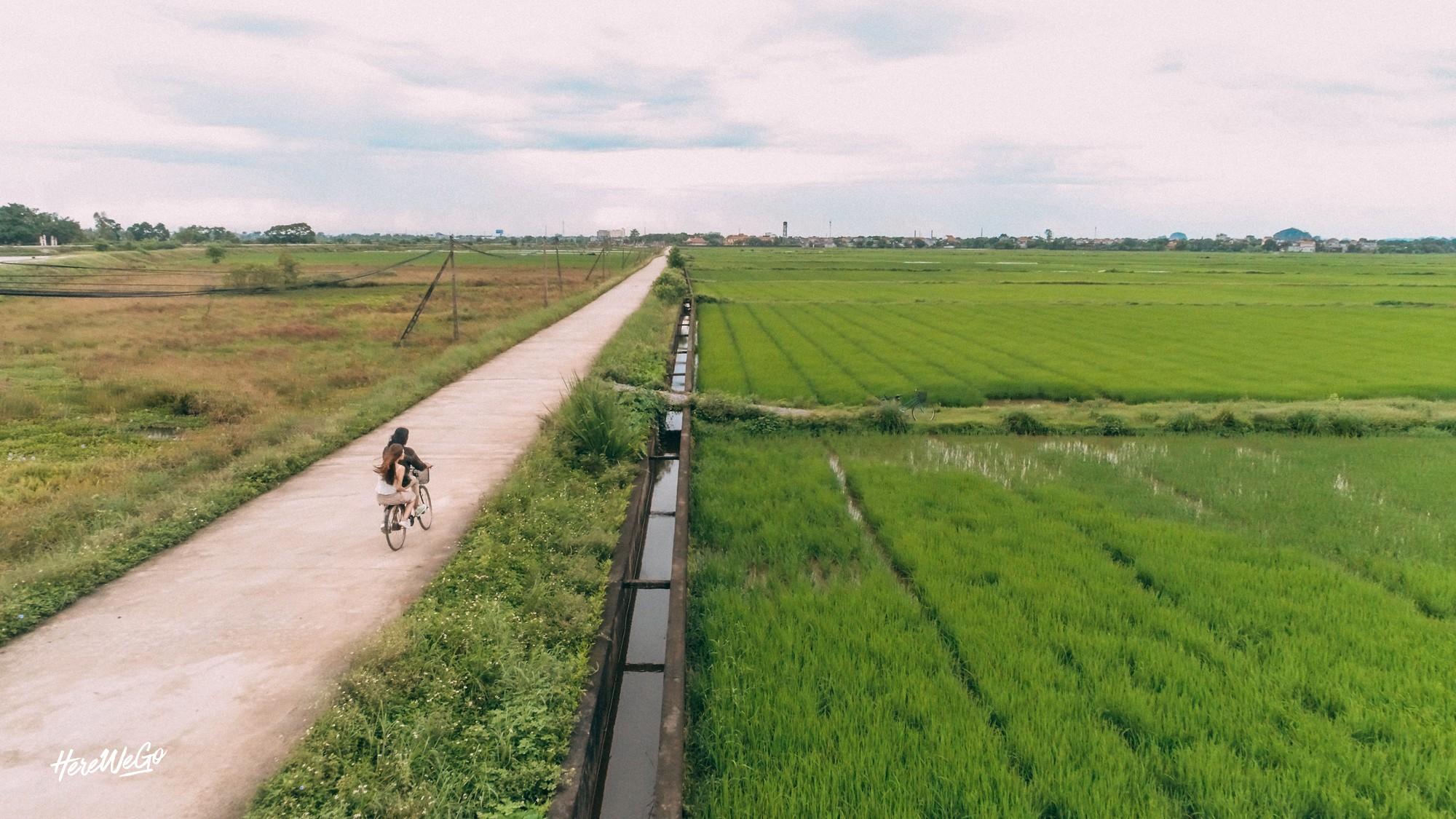 Bất ngờ trước những khung hình mùa thu Hà Nội - Ninh Bình đẹp và trong trẻo như thời thơ ấu của Jolie Nguyễn và các bạn đồng hành - Ảnh 19.