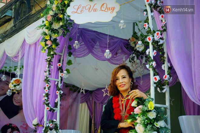 Đám cưới của cô dâu 62 tuổi và chú rể 26: Mẹ chồng khoác áo truyền thống cho con dâu, hỏi sao vẫn chưa chịu gọi bà là mẹ - Ảnh 3.