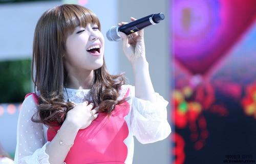 Khi vắng đi giọng ca chính, thành viên nào trong idolgroup sẽ đảm đương những nốt cao khó nhằn trong bài? - Ảnh 13.