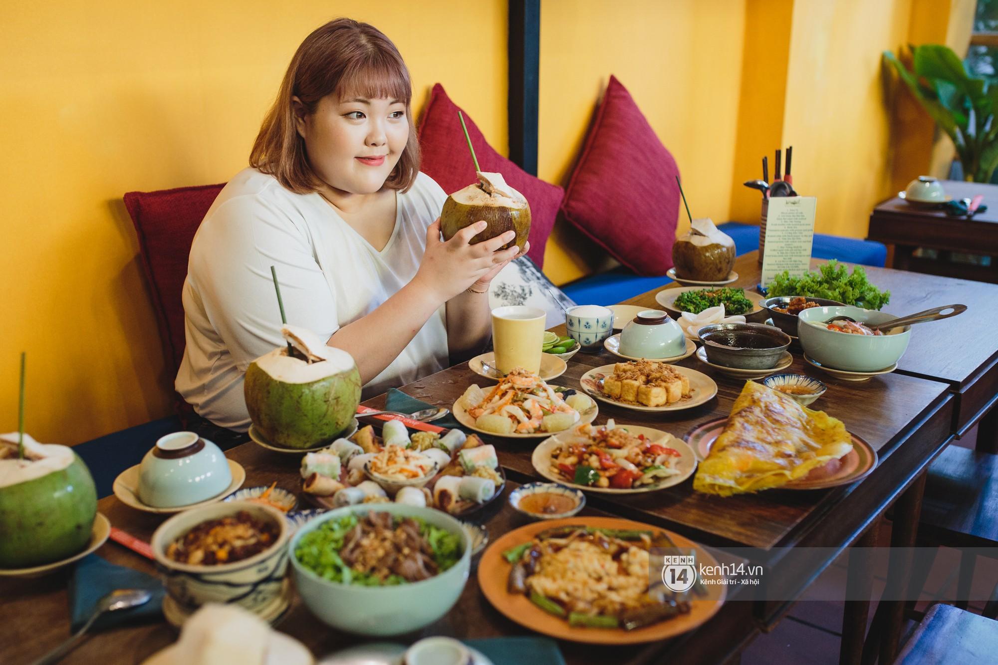 Nàng mập triệu view Hàn Quốc đến Việt Nam: Ăn cua hết 10 triệu, vẫn tiếc vì chưa kịp ăn bún chả - Ảnh 5.