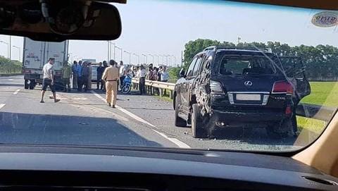 Xe Lexus biển tứ quý 8 bị đâm bẹp, tài xế tử vong: Của đại gia khoáng sản - Ảnh 1.