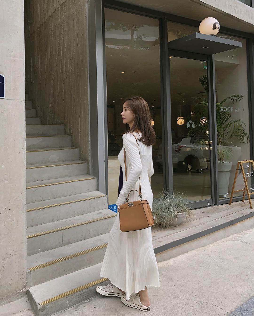 Váy dệt kim – chiếc váy mềm mại, đầy quyến rũ mà các nàng không thể làm ngơ trong những ngày trời se lạnh - Ảnh 4.