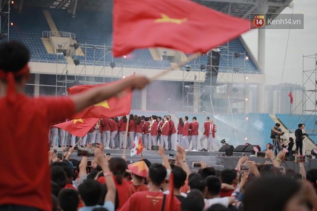 Nhiều khoảnh khắc ấn tượng trong lễ vinh danh đoàn thể thao Việt Nam trở về từ ASIAD 2018 22