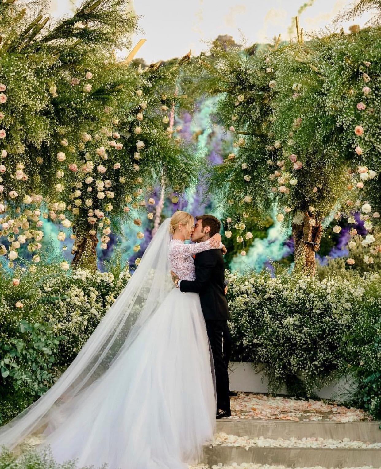 Đám cưới của blogger Chiara Ferragni chính thức diễn ra, khung cảnh lộng lẫy như giấc mơ của mọi cô gái - Ảnh 2.
