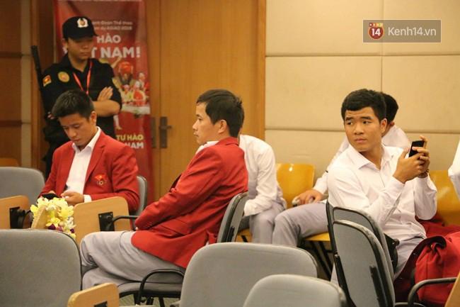 Nhiều khoảnh khắc ấn tượng trong lễ vinh danh đoàn thể thao Việt Nam trở về từ ASIAD 2018 47