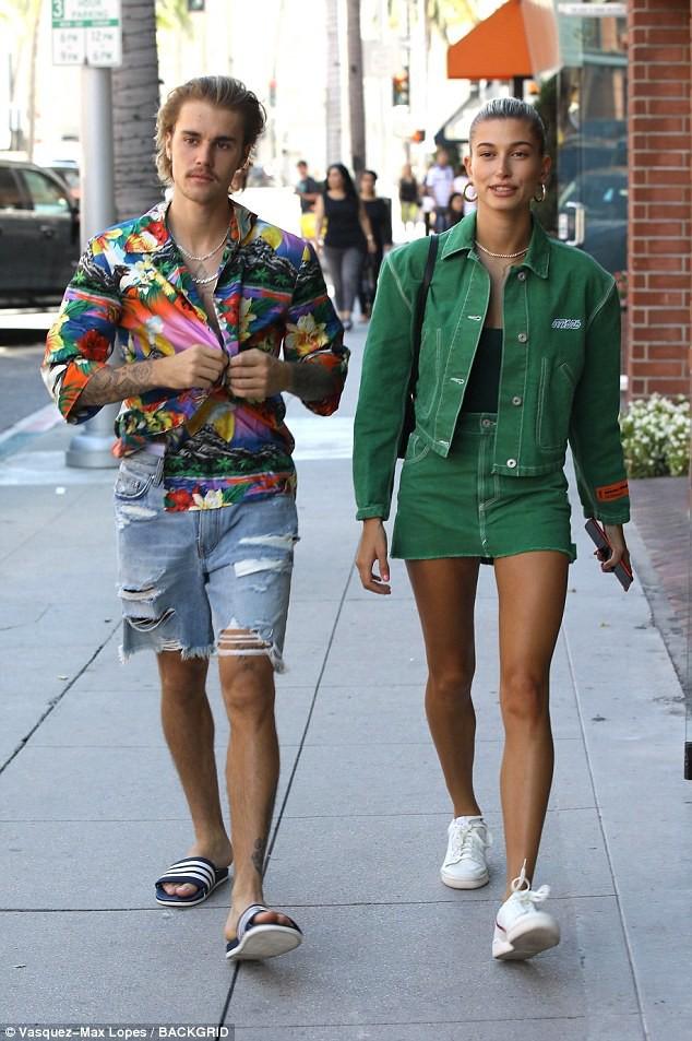 Justin Bieber năng diện áo chim cò, quyết tâm theo đuổi hình tượng ông chú đã có vợ - Ảnh 3.