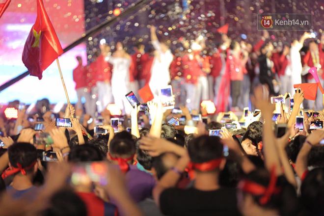 Nhiều khoảnh khắc ấn tượng trong lễ vinh danh đoàn thể thao Việt Nam trở về từ ASIAD 2018 15