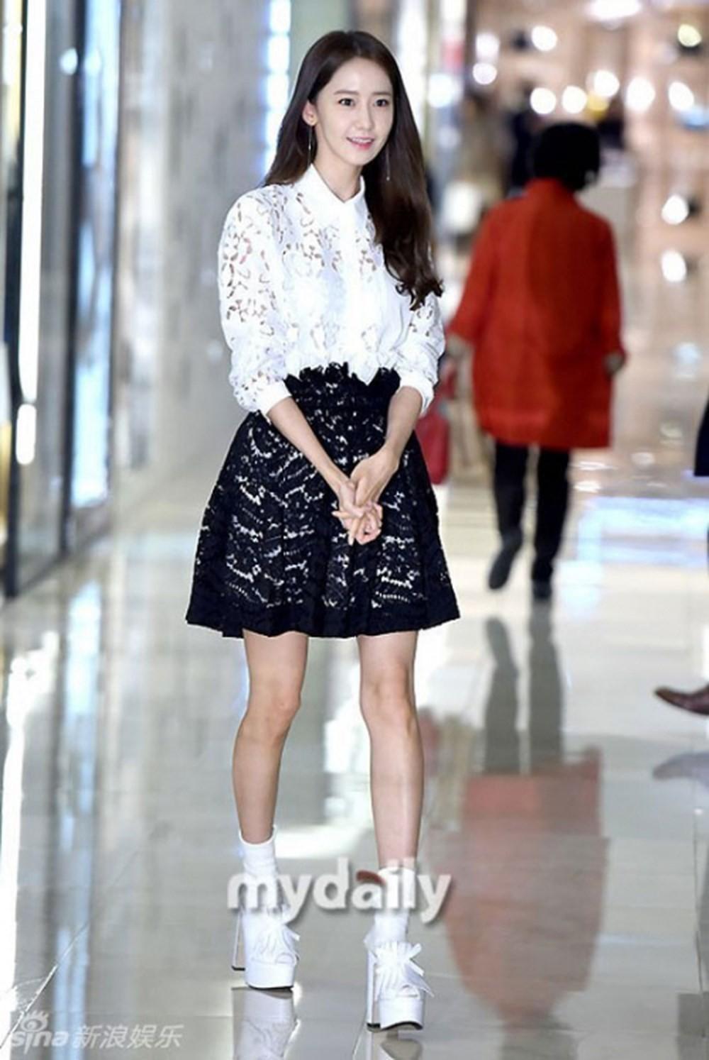 Tréo ngoe như Yoona: Cứ nghĩ càng gầy mặc càng đẹp, riêng nàng này có lên cân thì style mới lên hạng - Ảnh 3.
