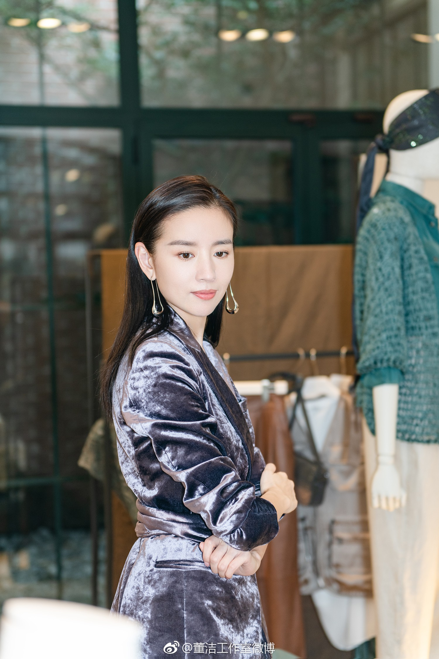 Hai Phú Sát Hoàng Hậu Tần Lam - Đổng Khiết đụng độ nhan sắc: Người như tiên nữ, kẻ lộ già nua - Ảnh 26.