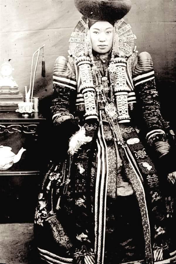Hoá ra tạo hình Ngưu Ma Vương của Công chúa Cảnh Sắt Như Ý Truyện là có thật trong lịch sử! - Ảnh 8.
