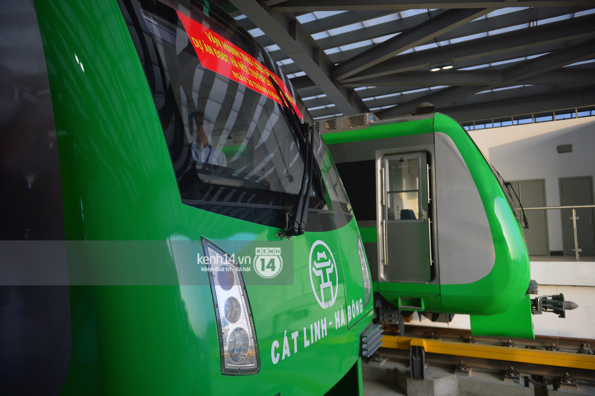 Trải nghiệm tàu đường sắt trên cao Cát Linh - Hà Đông ngày chạy thử - Ảnh 3.