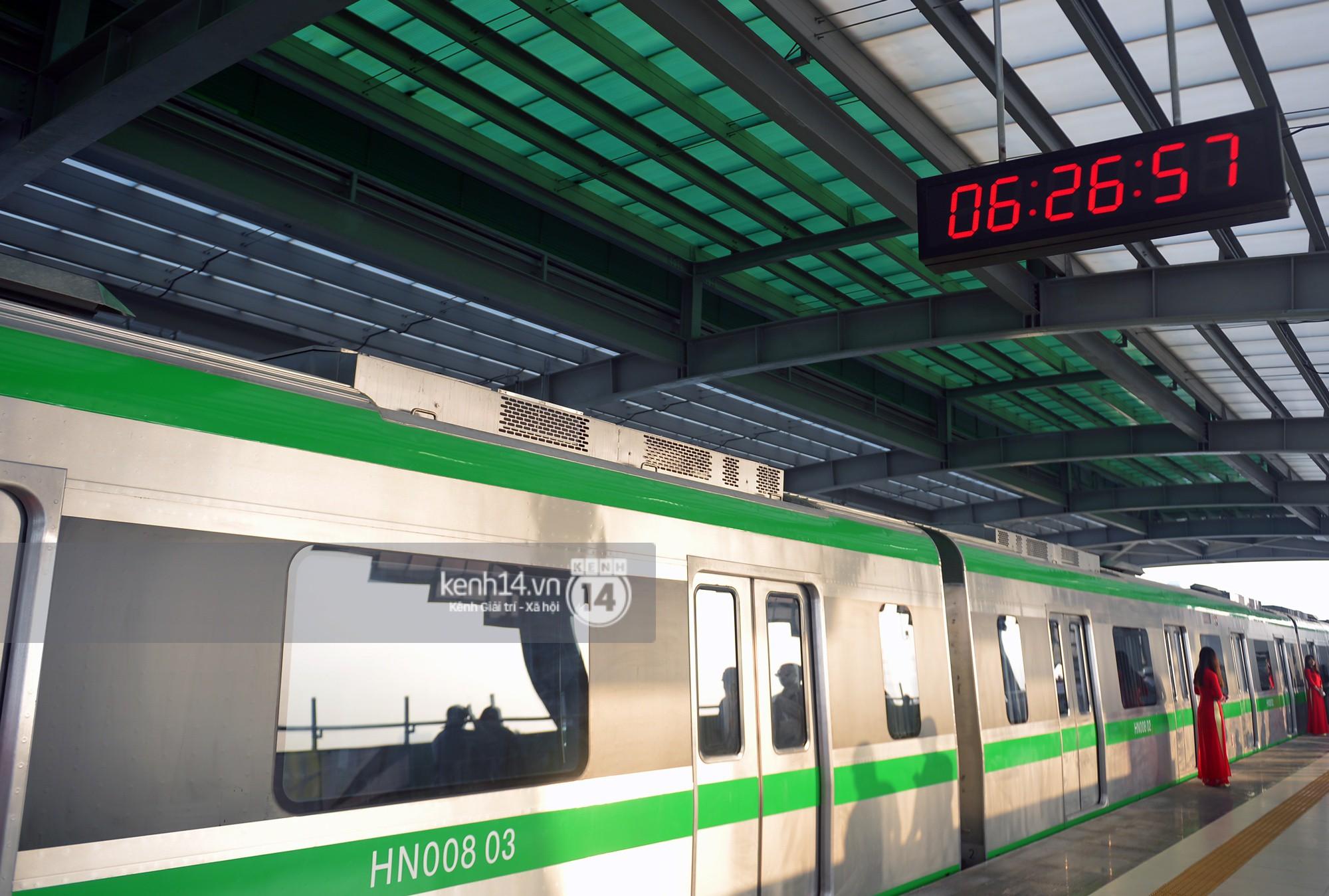 Trải nghiệm tàu đường sắt trên cao Cát Linh - Hà Đông ngày chạy thử - Ảnh 5.