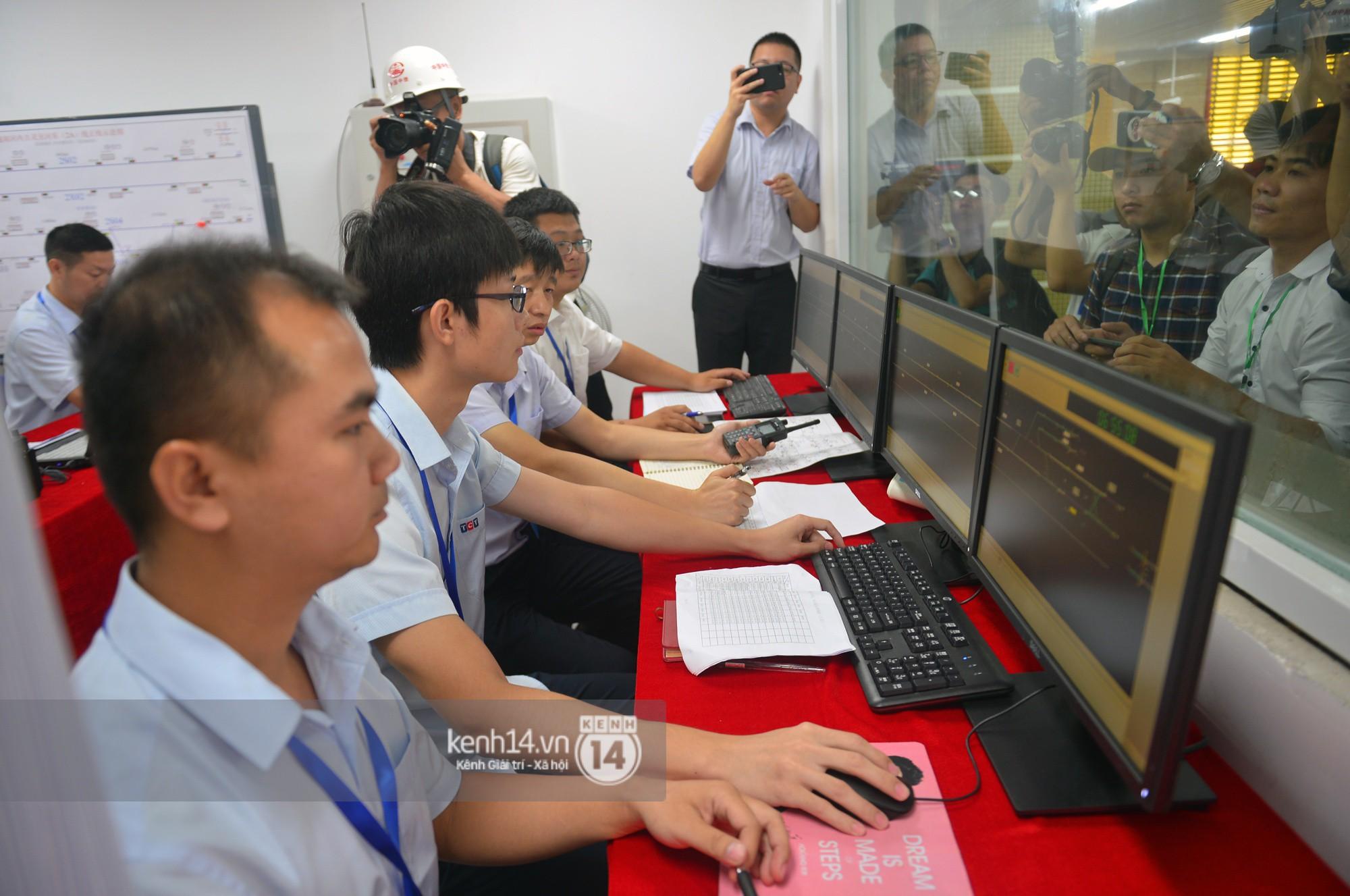 Trải nghiệm tàu đường sắt trên cao Cát Linh - Hà Đông ngày chạy thử - Ảnh 7.