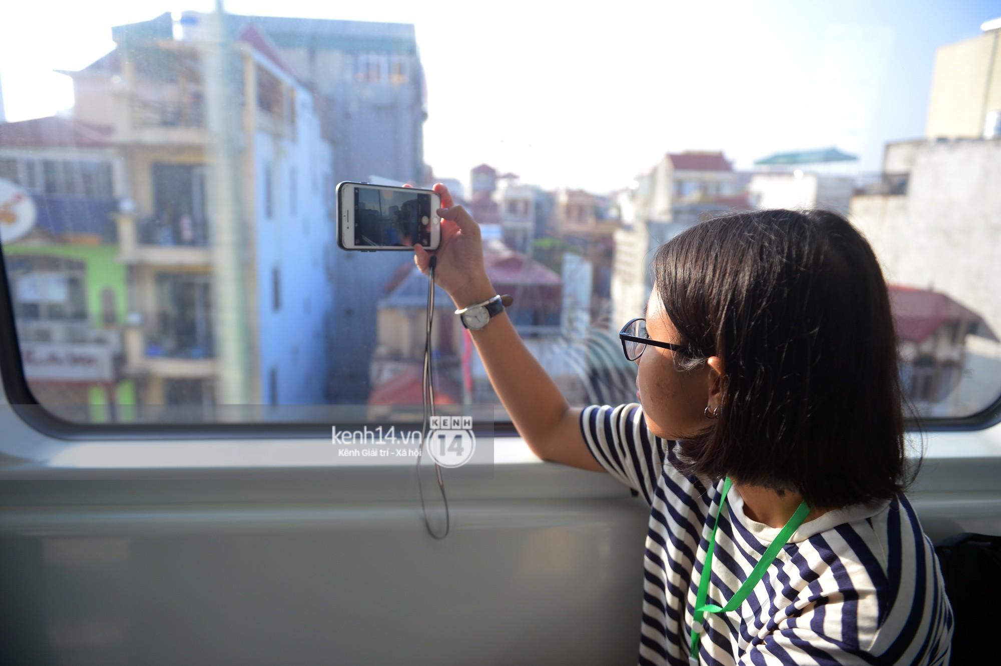 Trải nghiệm tàu đường sắt trên cao Cát Linh - Hà Đông ngày chạy thử - ảnh