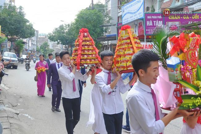 Cô dâu 62 chú rể 26 ở Cao Bằng: Ảnh cặp đôi rạng rỡ trong ngày cưới - Ảnh 2.